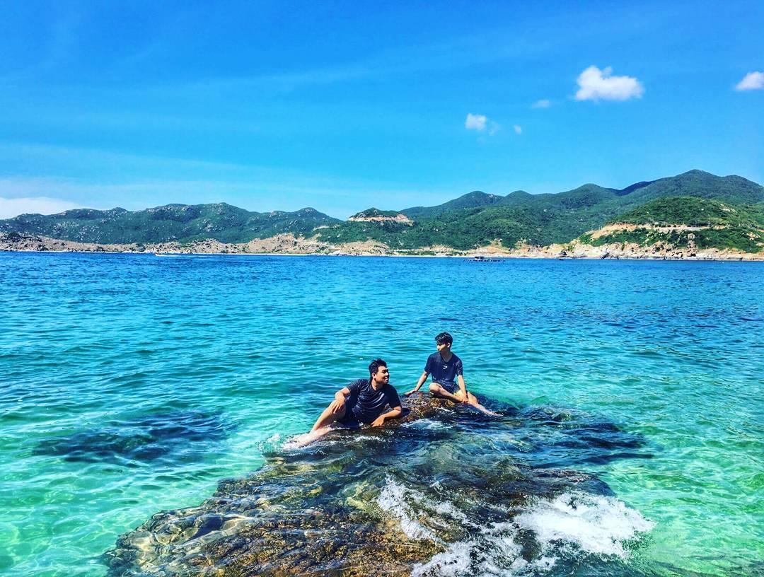 Đảo Bình Lập bình yên giữa bầu trời xanh